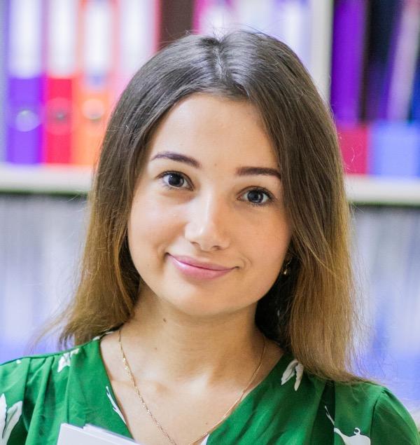 помічник адвоката Марія Романюк